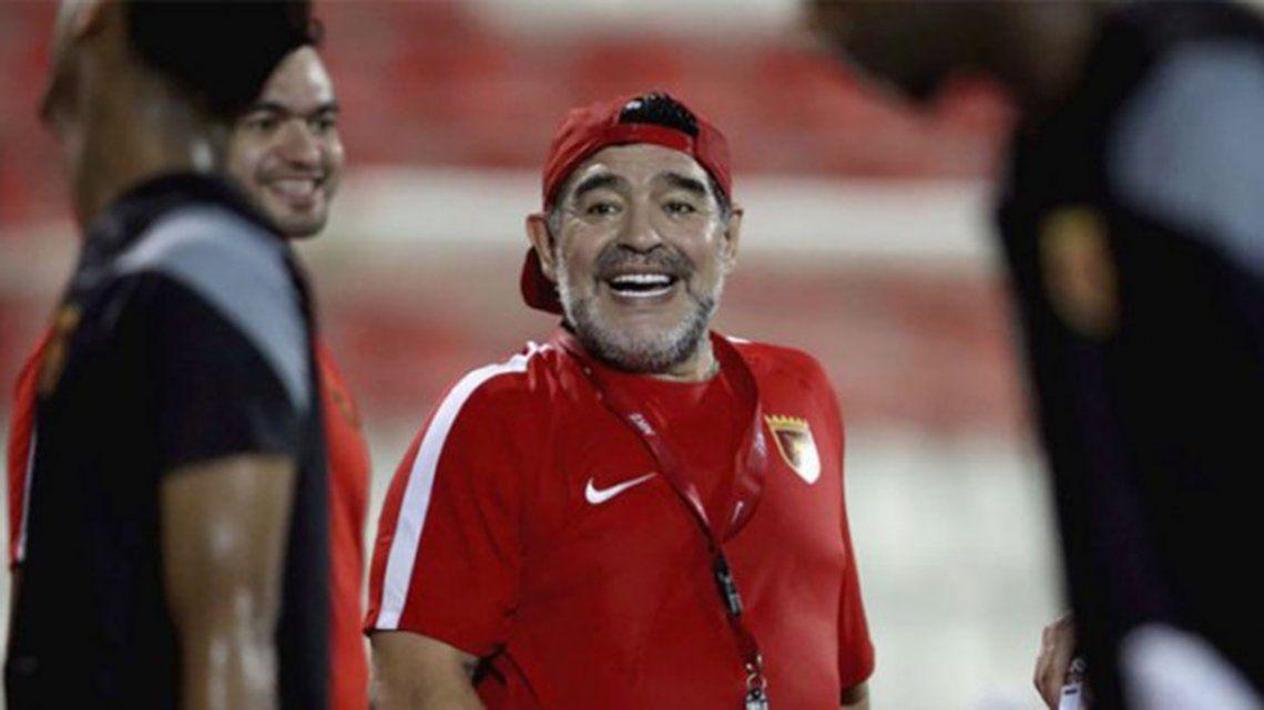 Maradona, cerca de dirigir en Bielorrusia