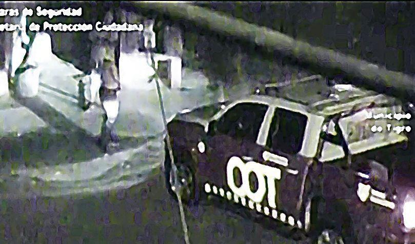 dUn móvil del COT acudió para rescatar a la víctima y detener al agresor.