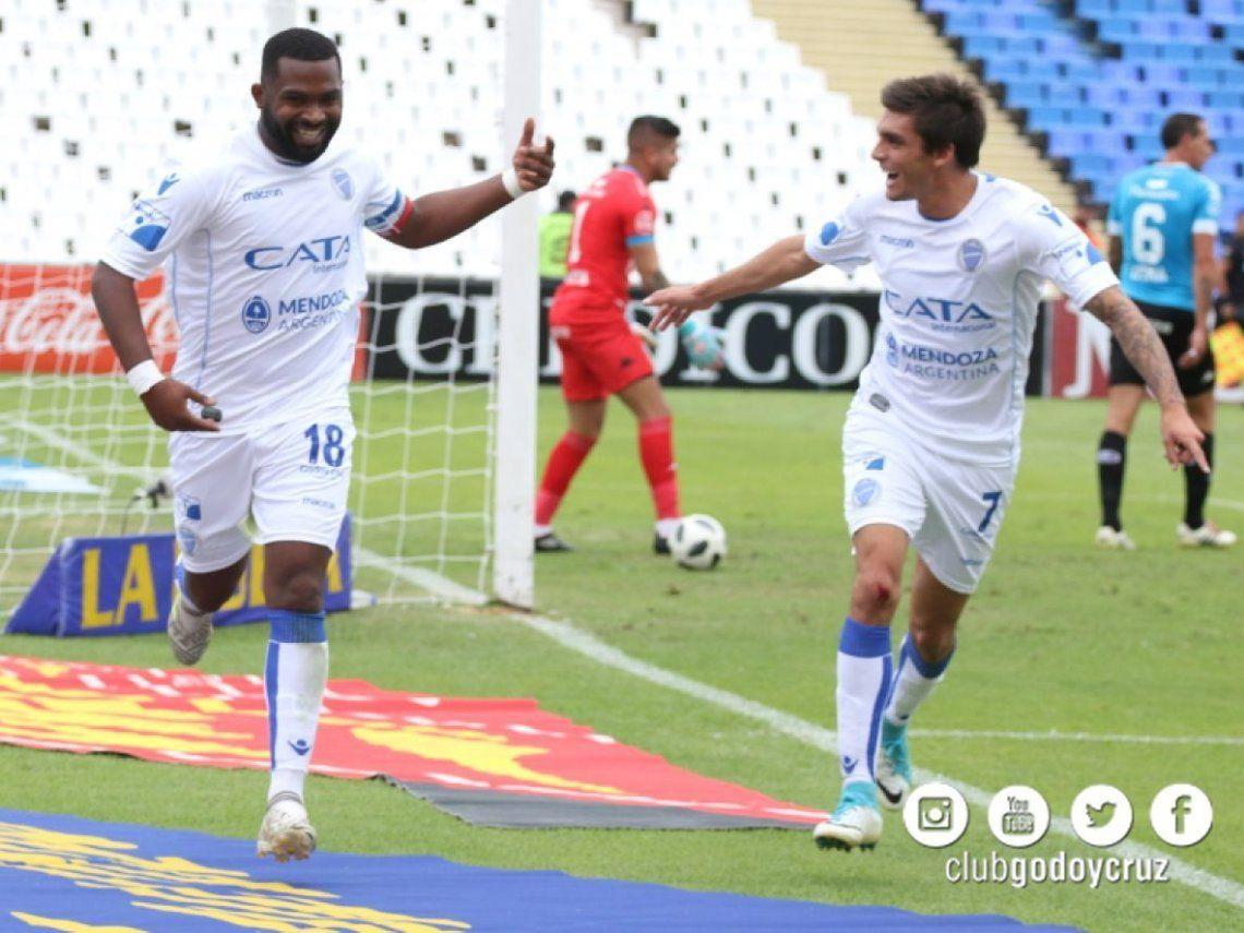 Godoy Cruz venció con esfuerzo a Belgrano y sigue prendido
