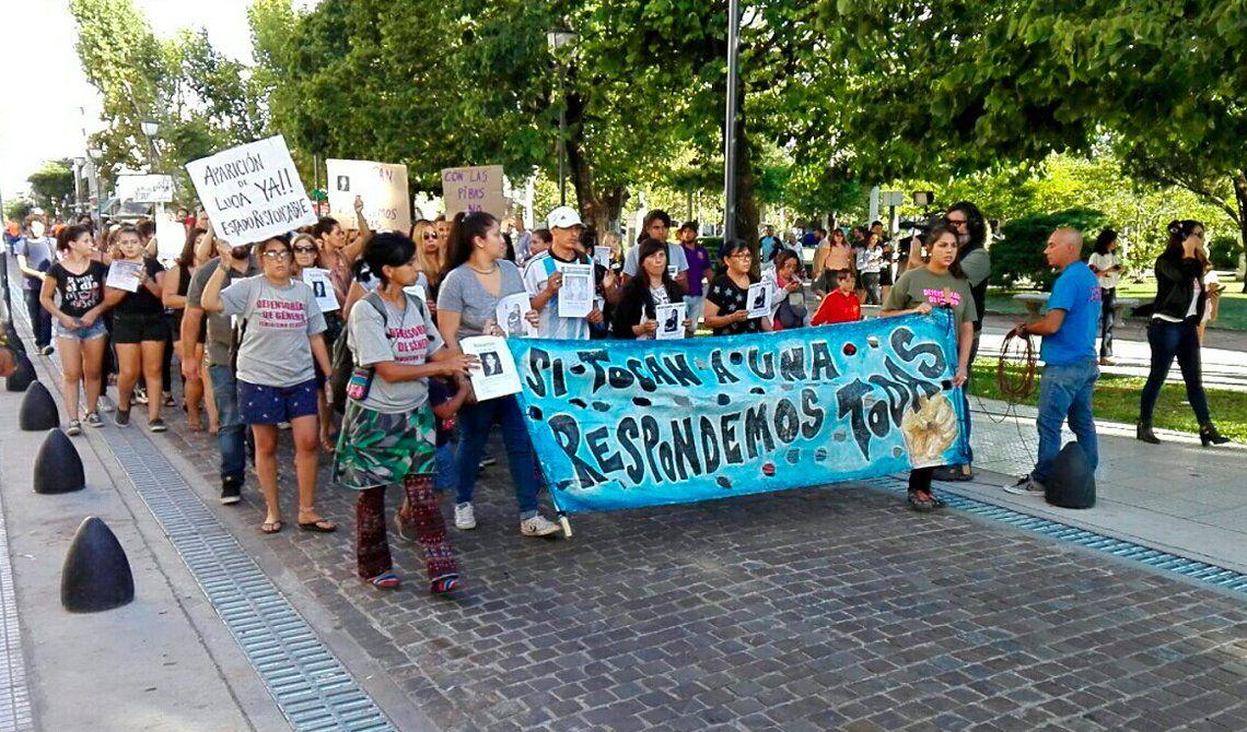 Marcha en Luján por chica desaparecida