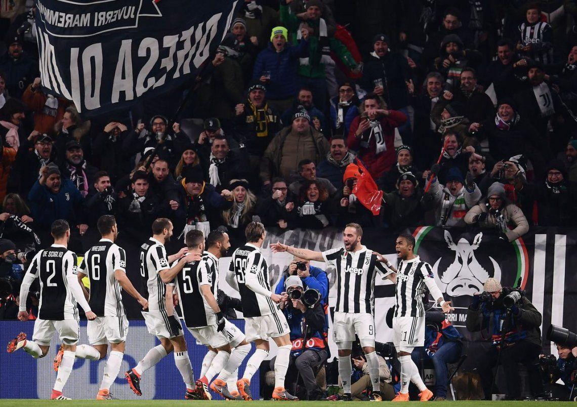 El doblete de Higuaín no le alcanzó a la Juventus en la ida de octavos ante el Tottenham