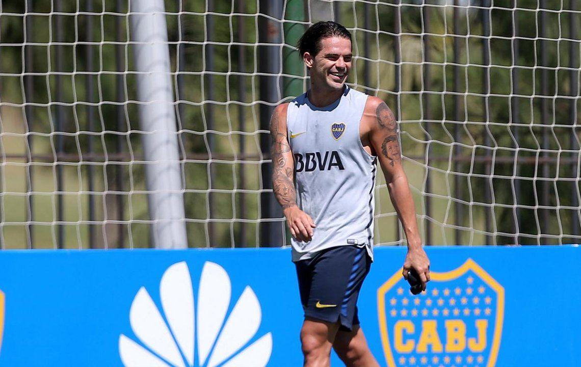 Gago entrenó con pelota y su retorno a la Primera de Boca se acerca
