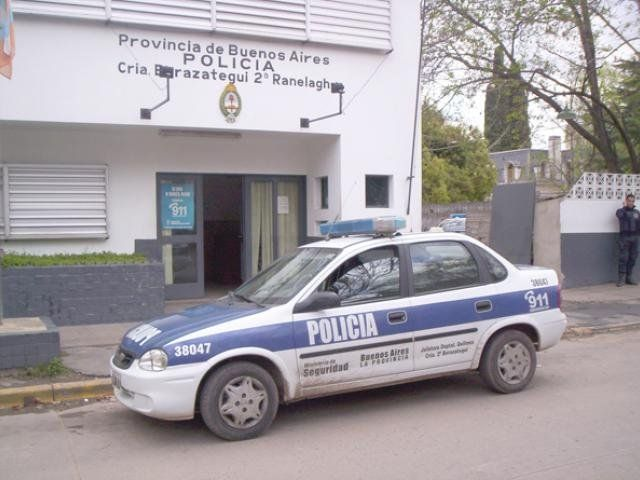 Detienen a policía a armaba causas para quedarse con inmuebles