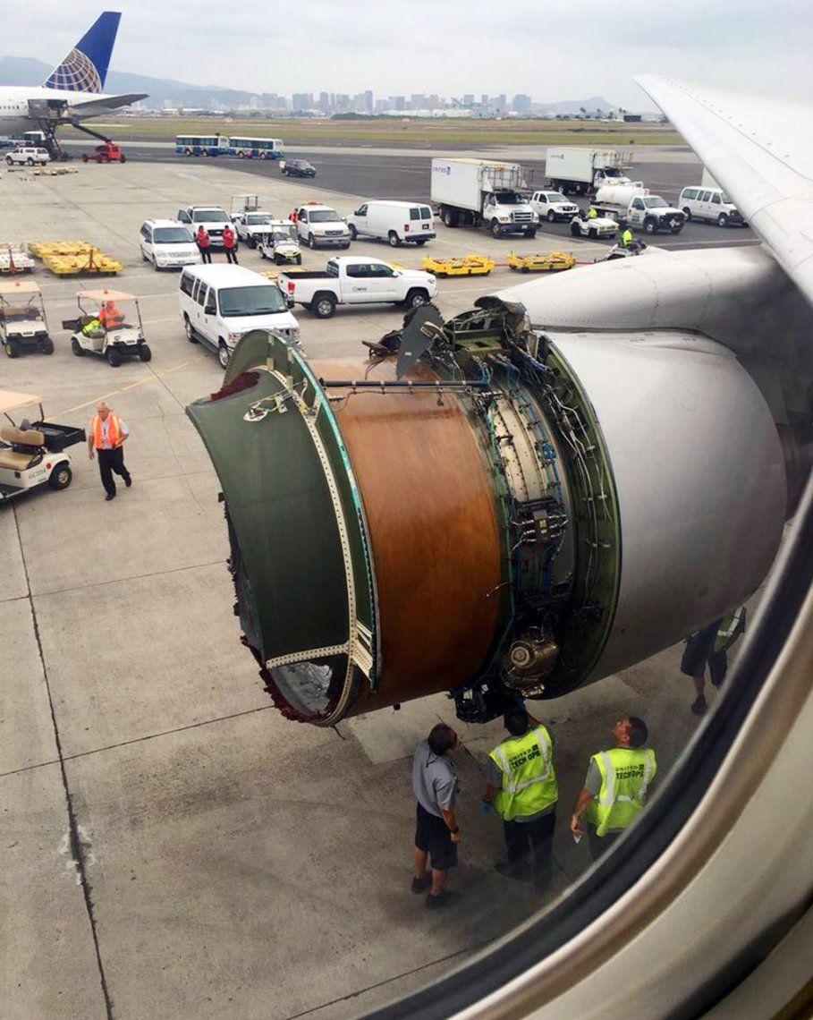 Pánico en el aire: avión perdió parte de motor y debió aterrizar de emergencia
