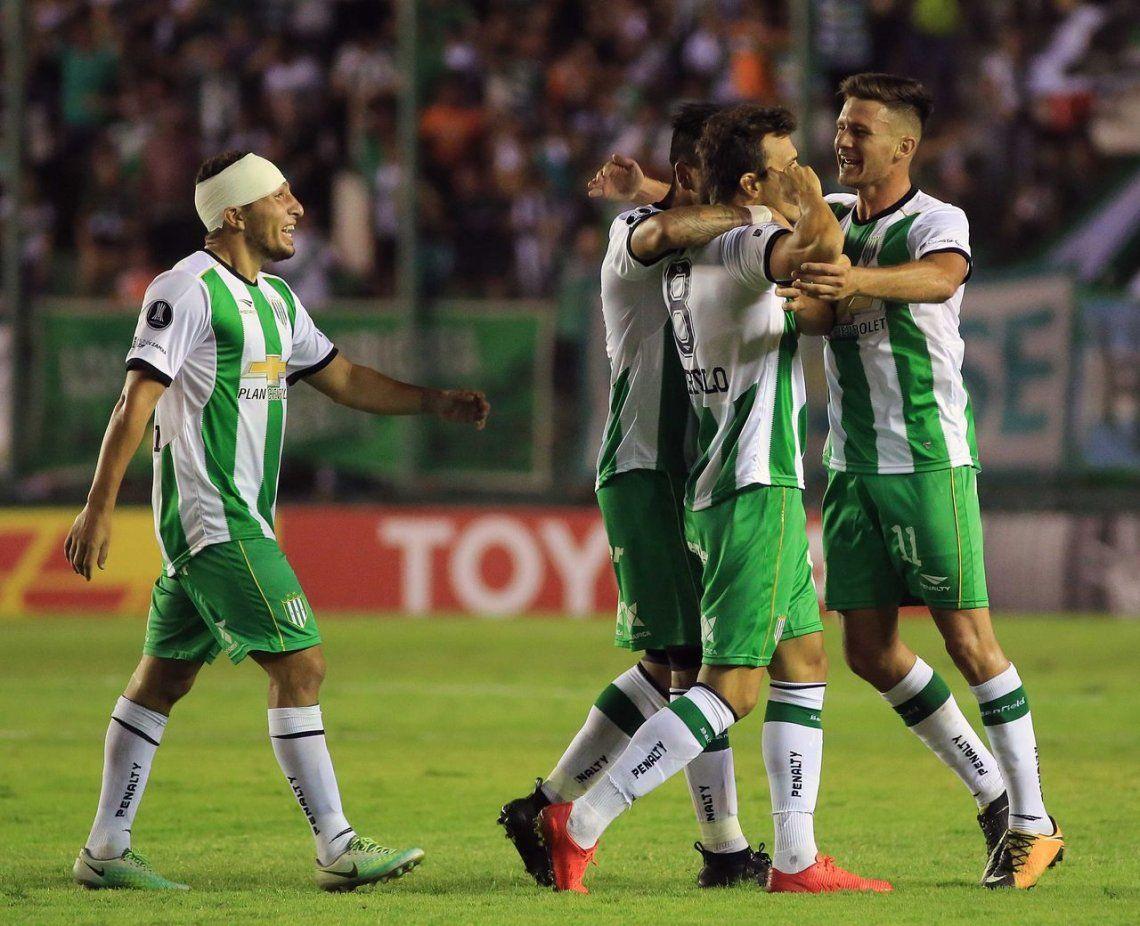 Banfield y otro empate agónico que le da vida en la Libertadores