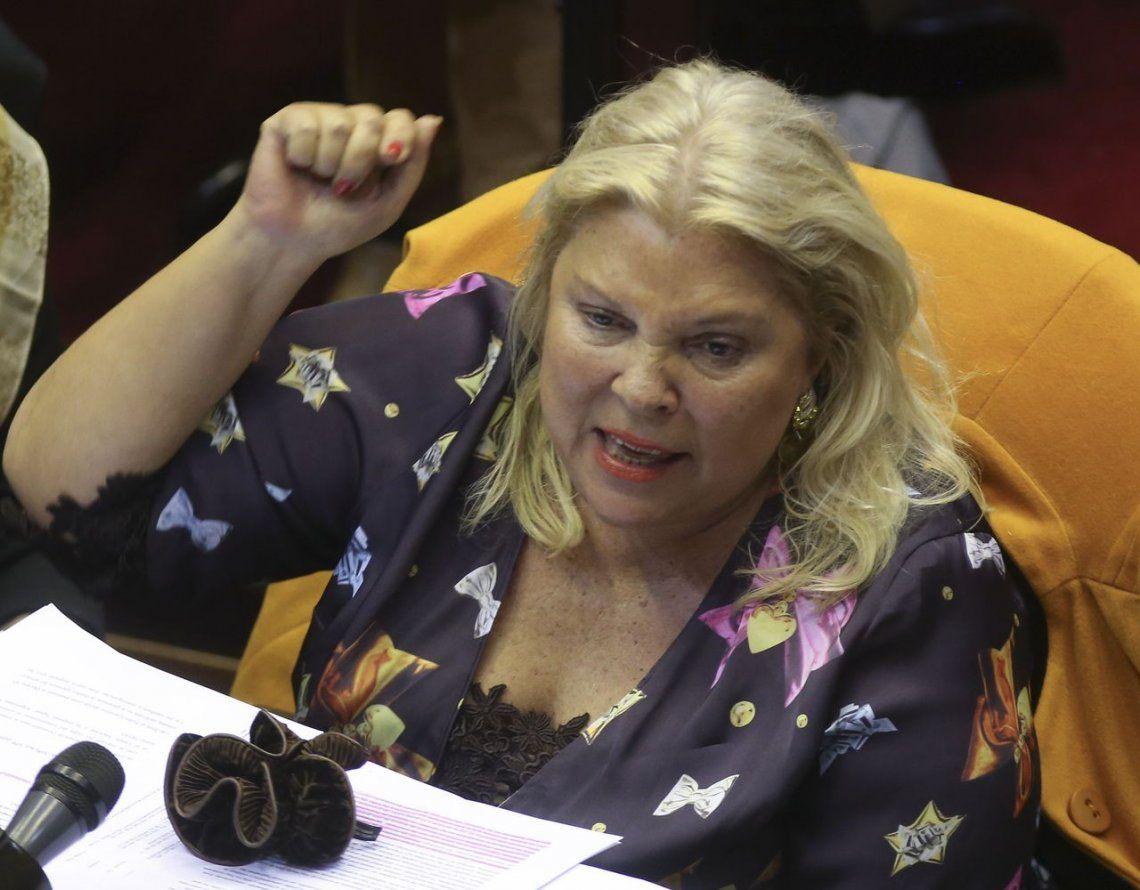 Carrió habló de un golpe cambiario contra Macri y se disculpó con Durán Barba