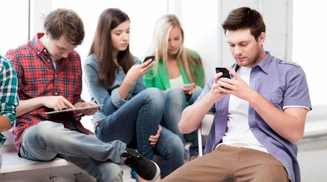 Adolescentes: uso y abuso del celular