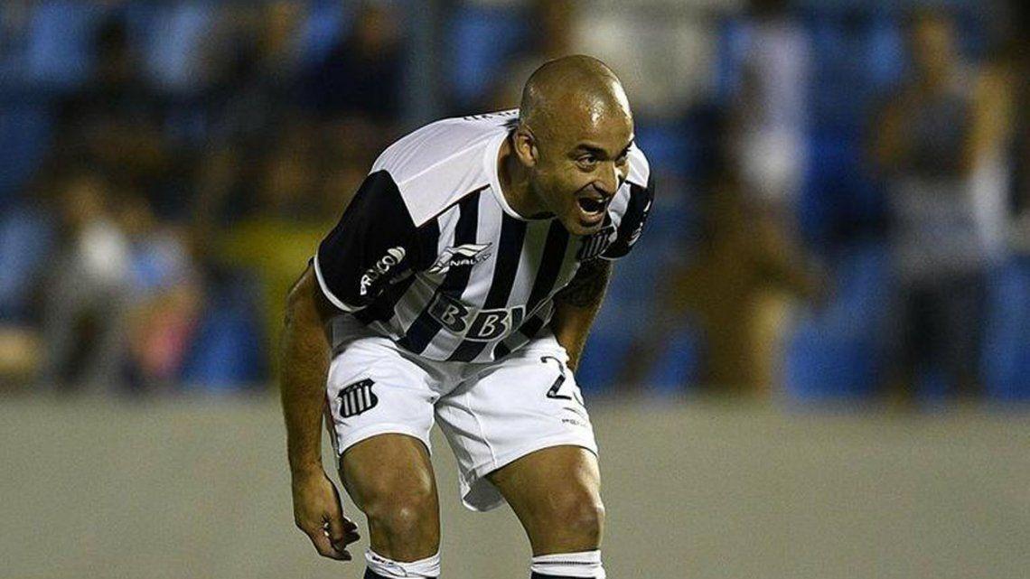 Santiago Silva superó a Francescoli: es el uruguayo más goleador del fútbol argentino