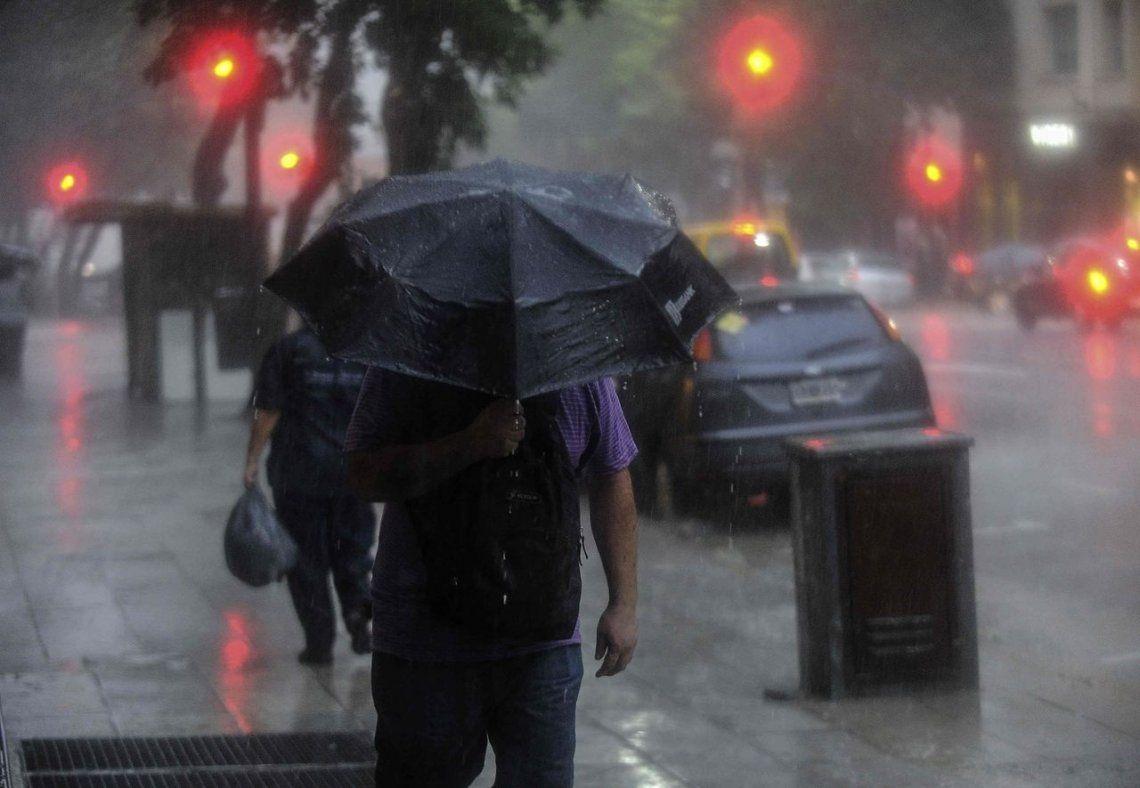 Alerta por lluvias, tormentas y caída de granizo en la Ciudad y el Conurbano