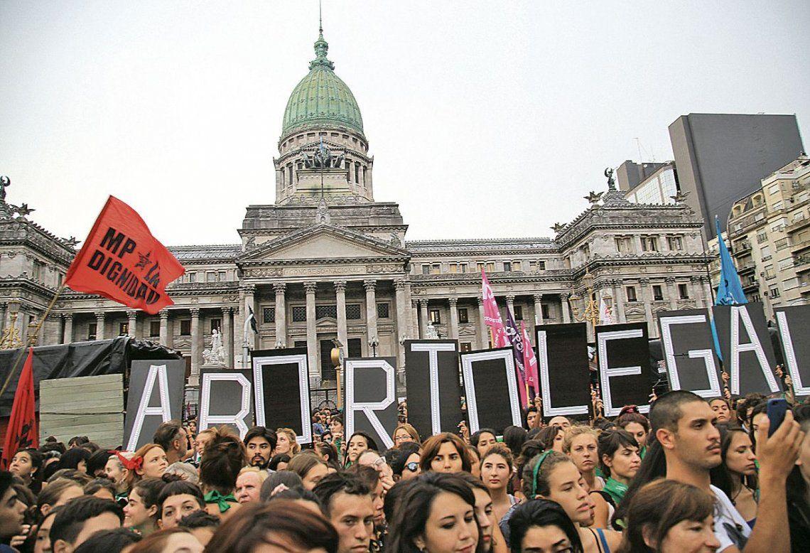 Murió una mujer de 22 años en Santiago del Estero tras realizarse un aborto clandestino