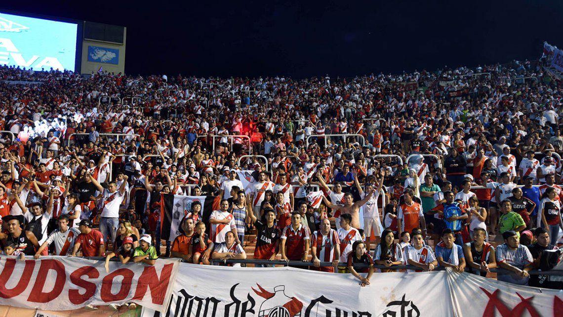 La odisea de la Supercopa: el partido que expuso la improvisación del fútbol argentino
