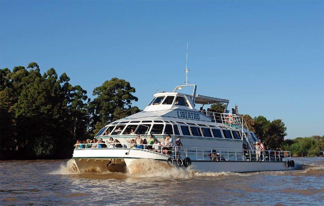 Cada fin de semana hay 80 fiestas VIP en barcos