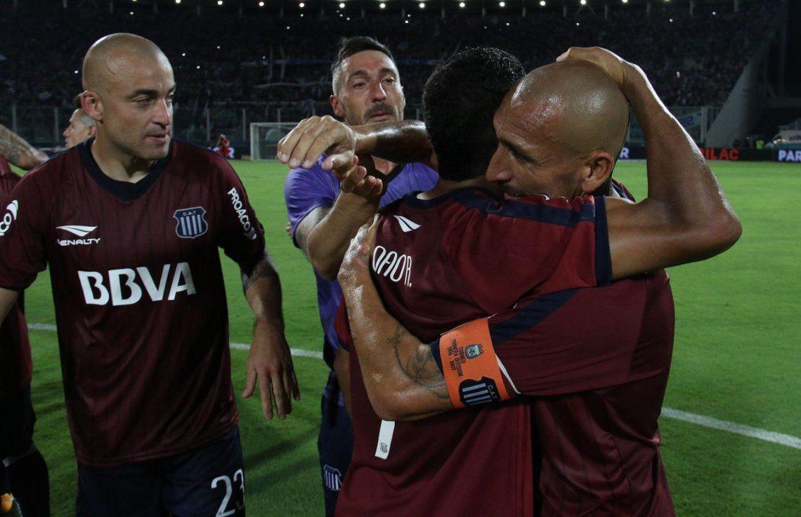 Talleres le ganó a Atlético Tucumán y no le pierde pisada a Boca