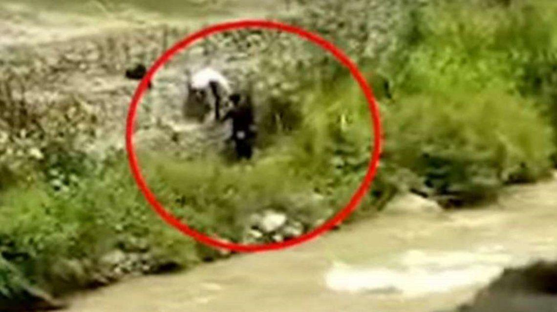 Video | Tenían sexo a la vera de un río en Perú: acabaron asaltados