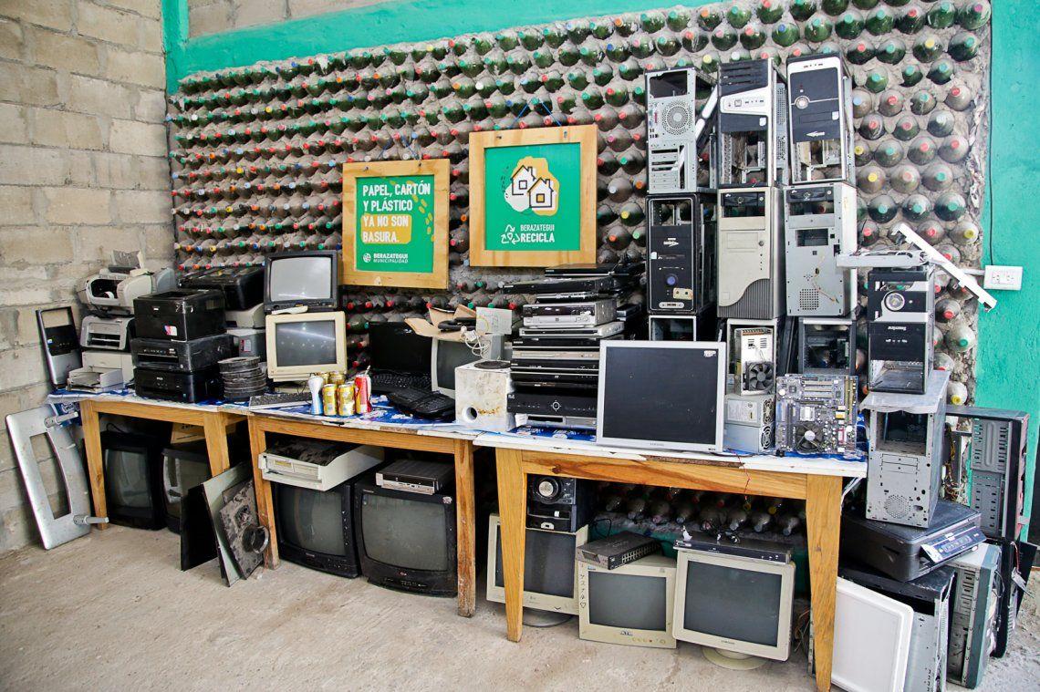 Reciclan electrónicos para elaborar nuevos productos