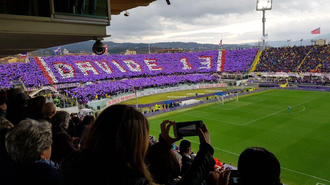 Hasta las lágrimas: el homenaje y despedida de Fiorentina a Davide Astori