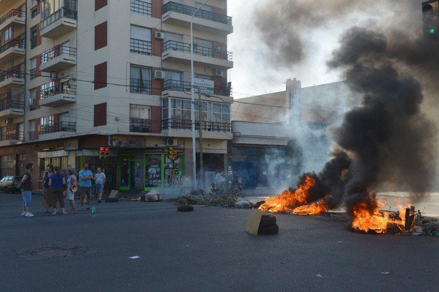 Preocupan los cortes misteriosos en Avellaneda
