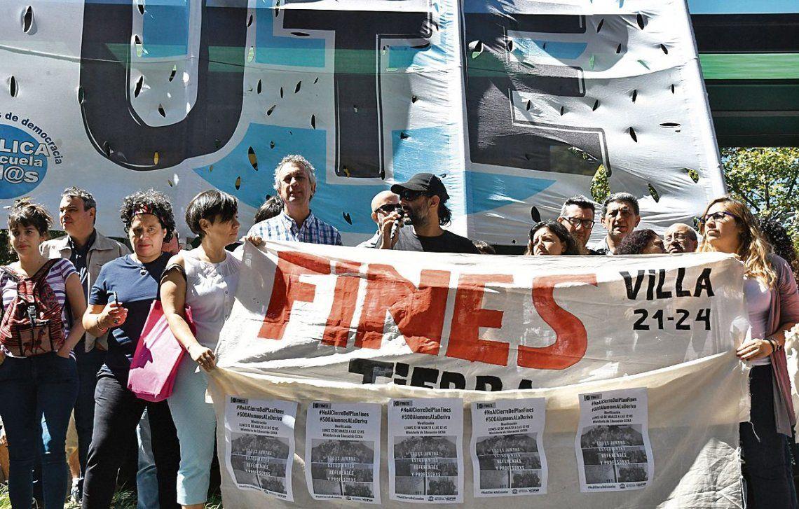 Piden que no cierren sedes del Plan Fines en la Ciudad