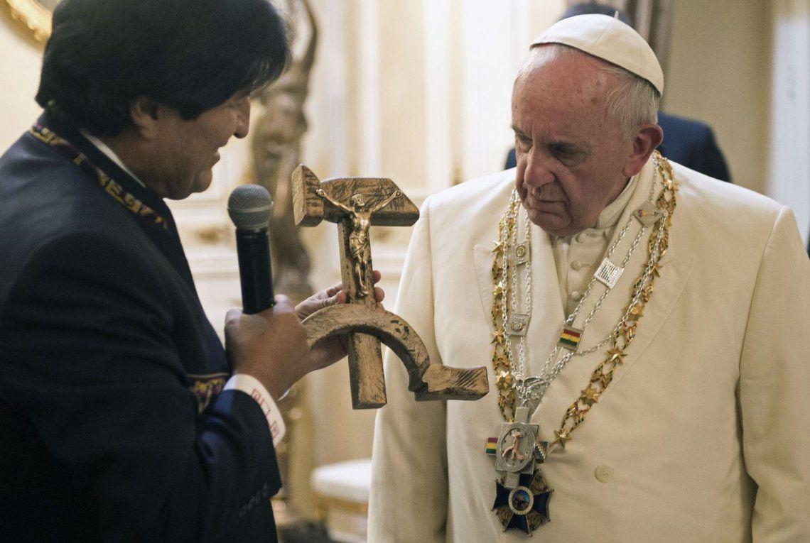 2015 | El polémico regalo de Evo Morales a Francisco.