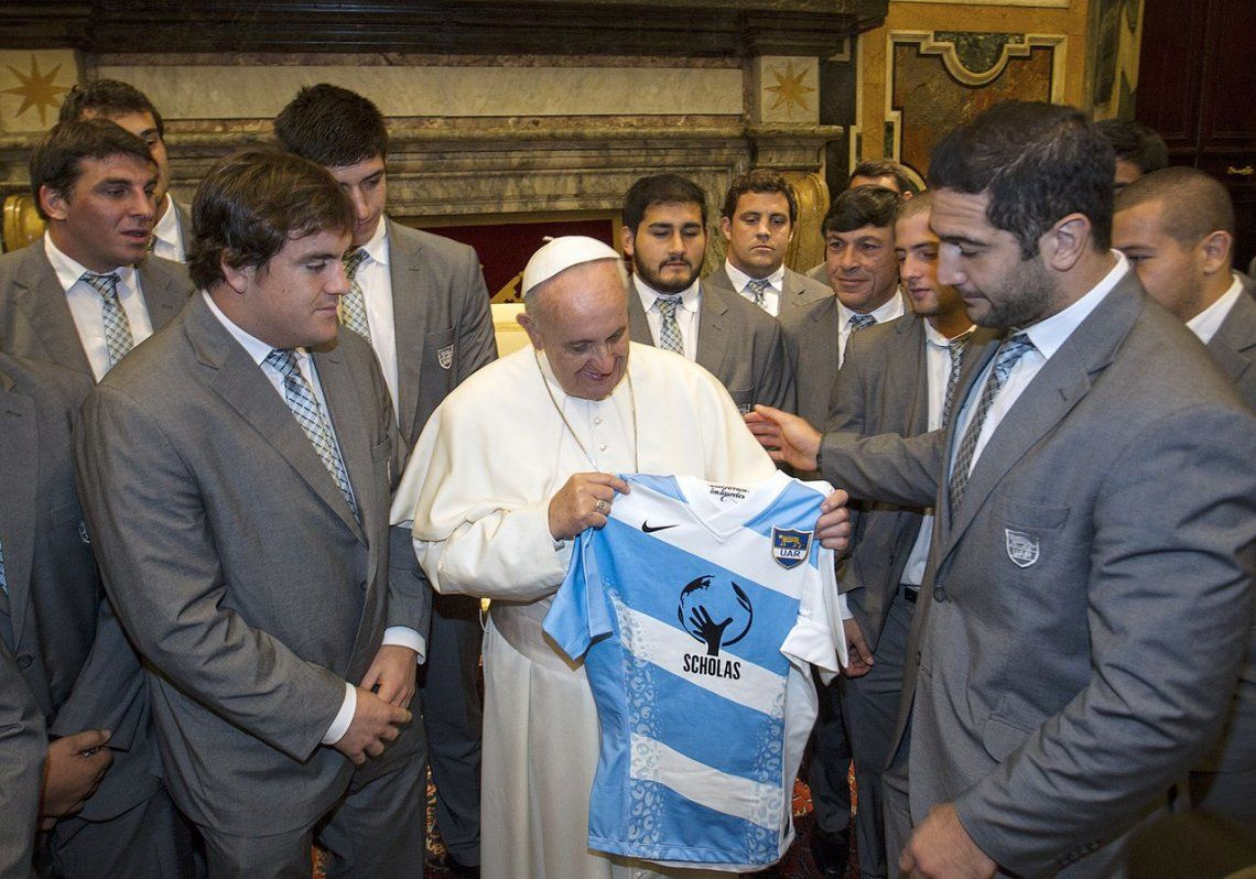 2013 |Jugadores Los Pumas junto al Papa Francisco.