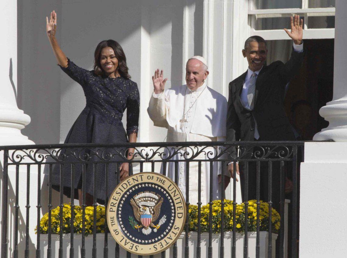 2015 | Saludando junto a Michelle y Barack Obama.