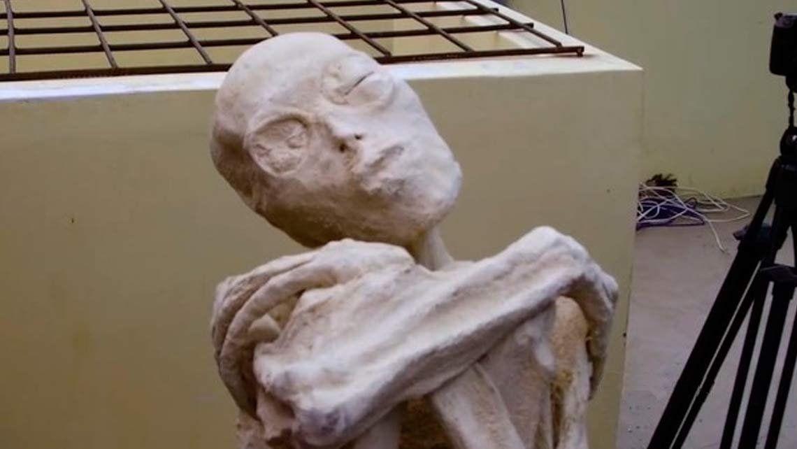 ¿Momias de tres dedos de origen extraterrestre en Perú?