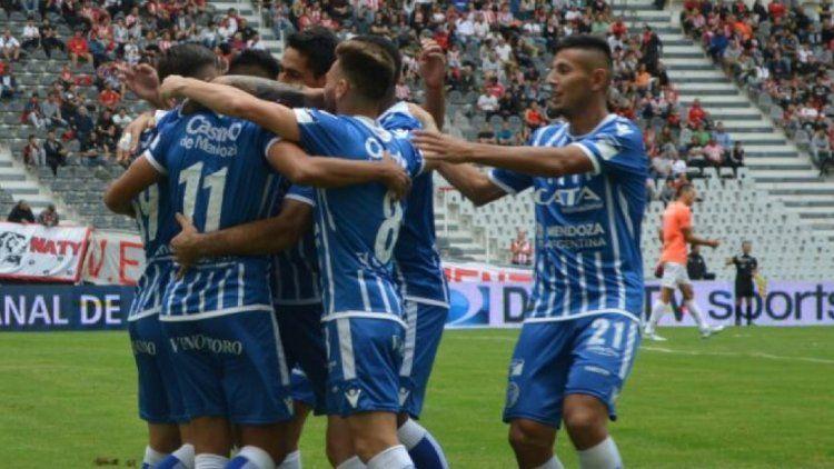 Godoy Cruz fue feliz en La Plata: bajó a Estudiantes y pelea arriba