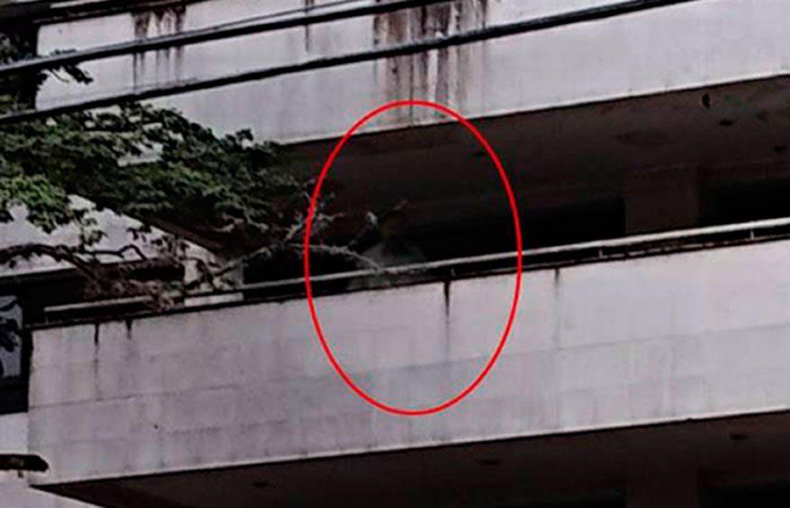 Fotos   ¿El fantasma de Pablo Escobar ronda en un edificio en el que vivió?