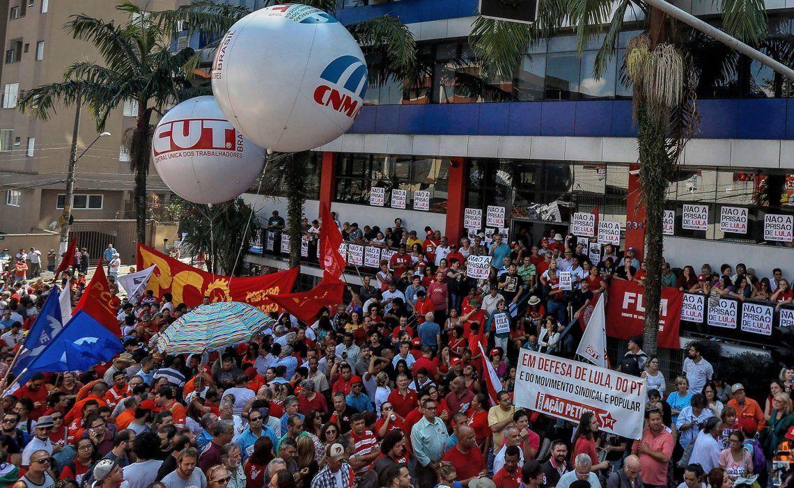 La marcha en apoyo a Lula en imágenes