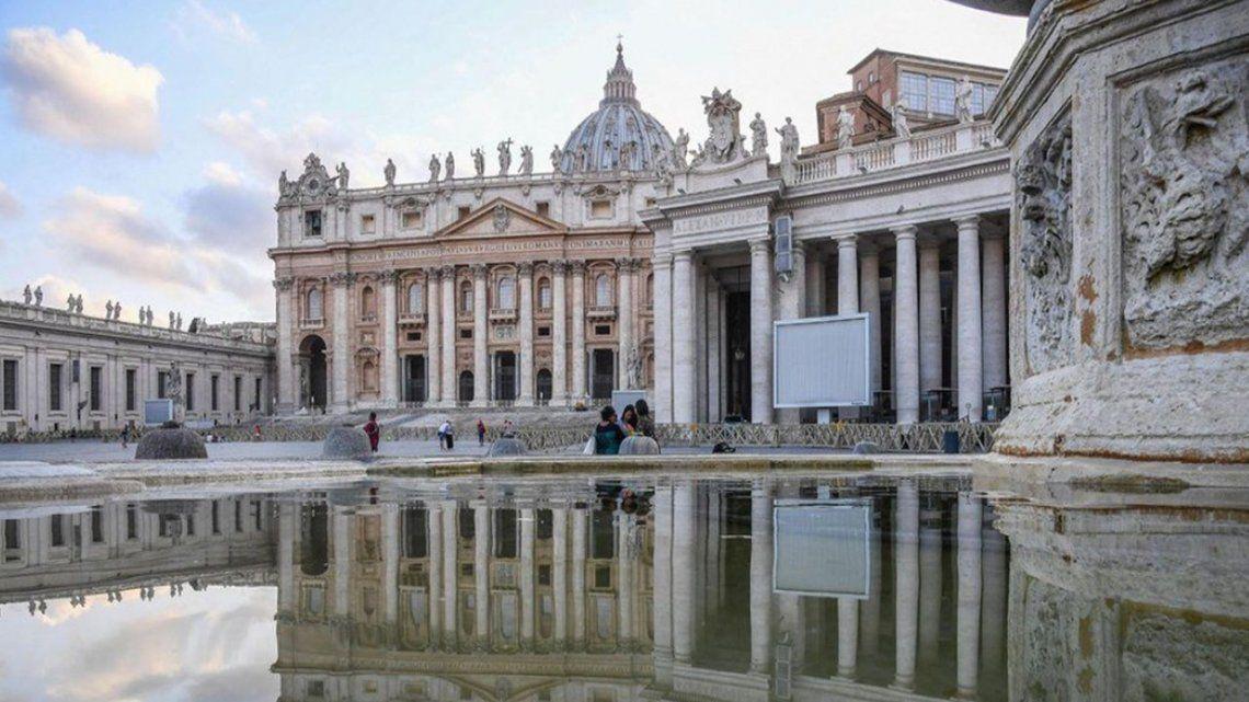 El Vaticano arrestó a uno de sus diplomáticos por tener pornografía infantil