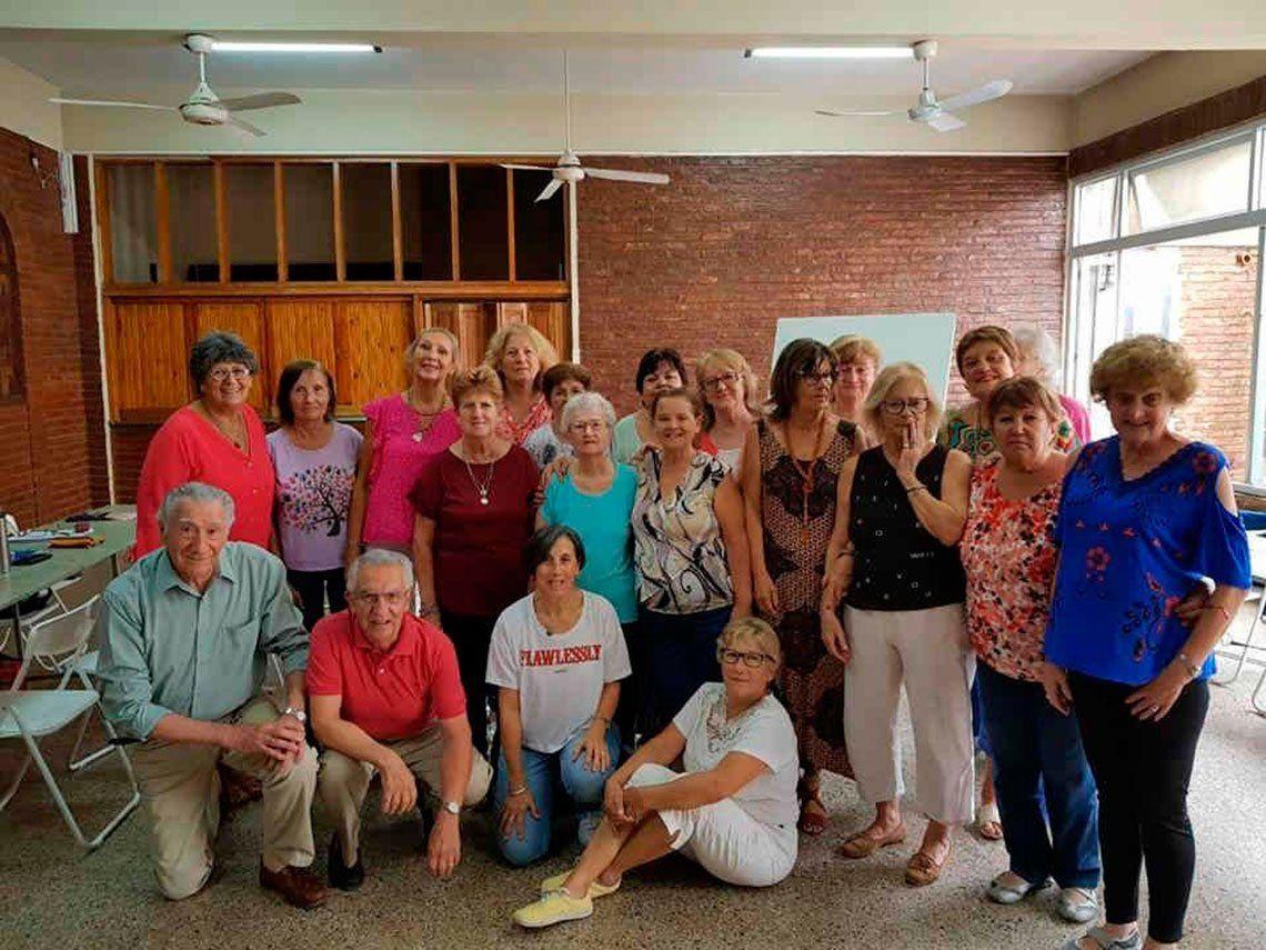 Talleres para adultos mayores en la UADER: Además de aprender, se generan amistades