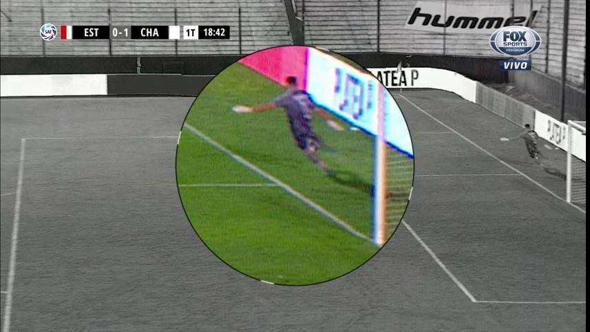¿Era Penal? La polémica jugada que culminó en el 1 a 0 de Chacarita a Estudiantes
