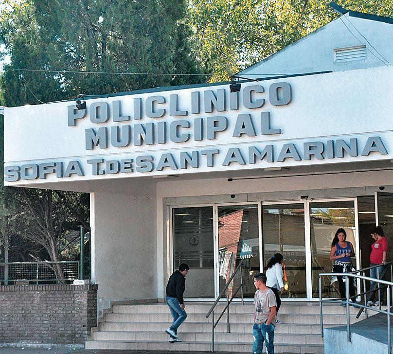 dFrente del Hospital Santamarina de Esteban Echeverría.