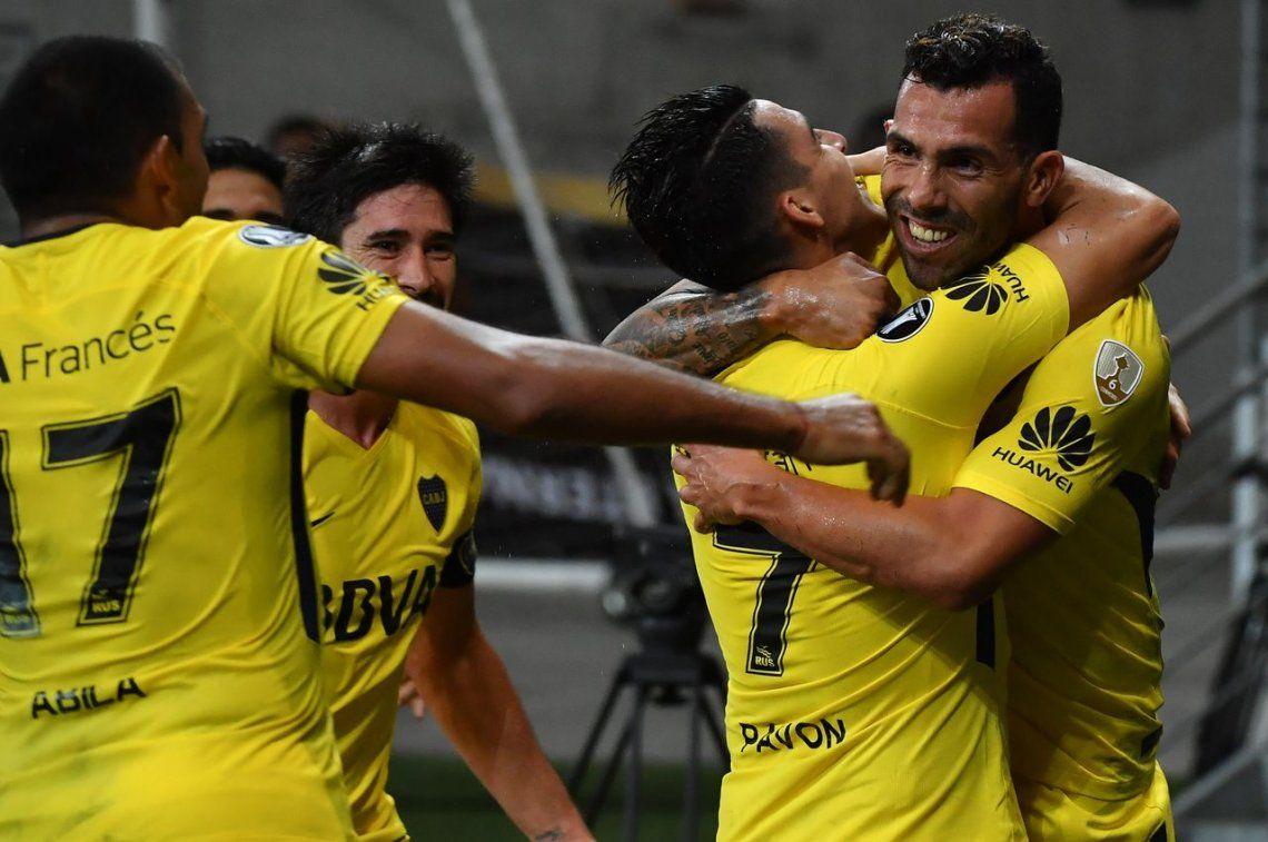 Tevez salvó a un Boca que se trajo un punto clave de su visita a Palmeiras