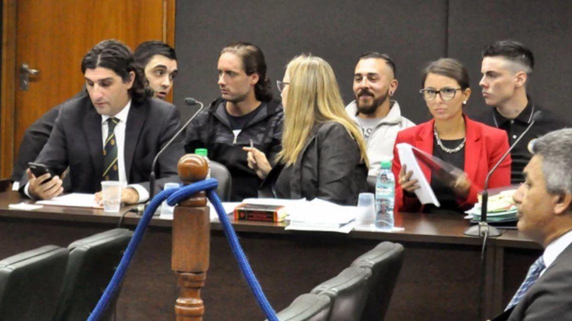 Fiscal pidió penas más bajas para neonazis