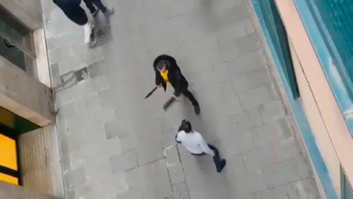 Video | Cuchillos y machetes en una pelea narco en Barcelona