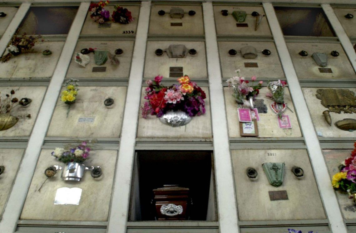 Neuquén: canjean nichos de cementerio por costillares de carne