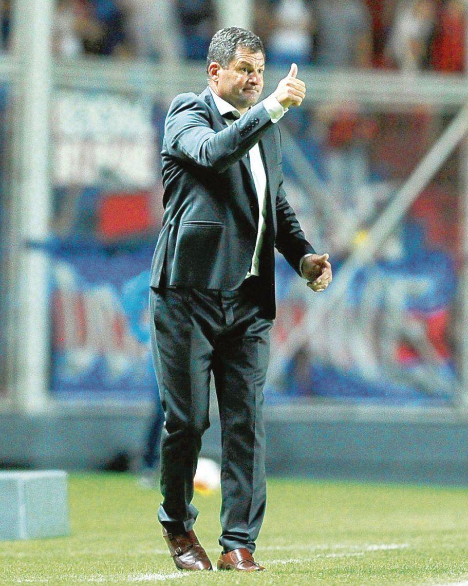 dEl Pampa Biaggio con el pulgar para arriba: volvió el optimismo a Boedo.