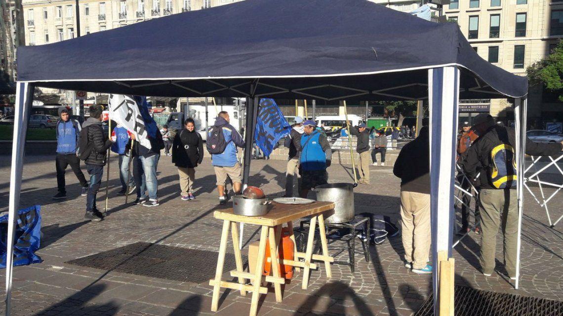 Cooperativistas y organizaciones sociales se movilizan al Obelisco