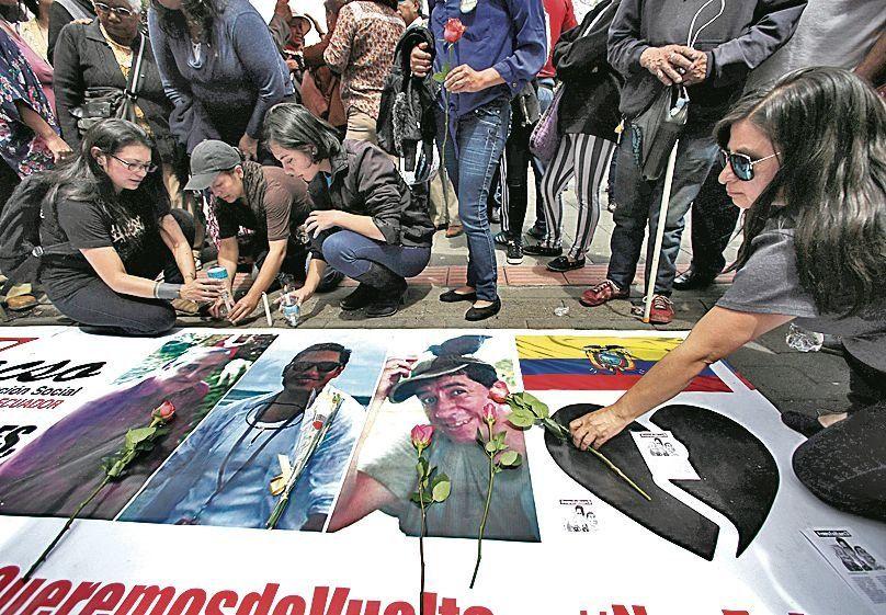 """Repudio mundial al """"vil asesinato"""" de los tres periodistas en Ecuador"""