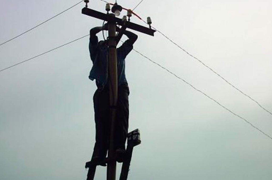 Buscan pagar menos de luz con conexiones clandestinas