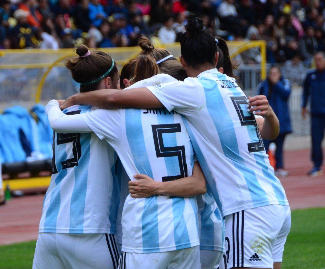 Las chicas de la Selección Argentina padecieron de todo y hoy viven su gran revancha