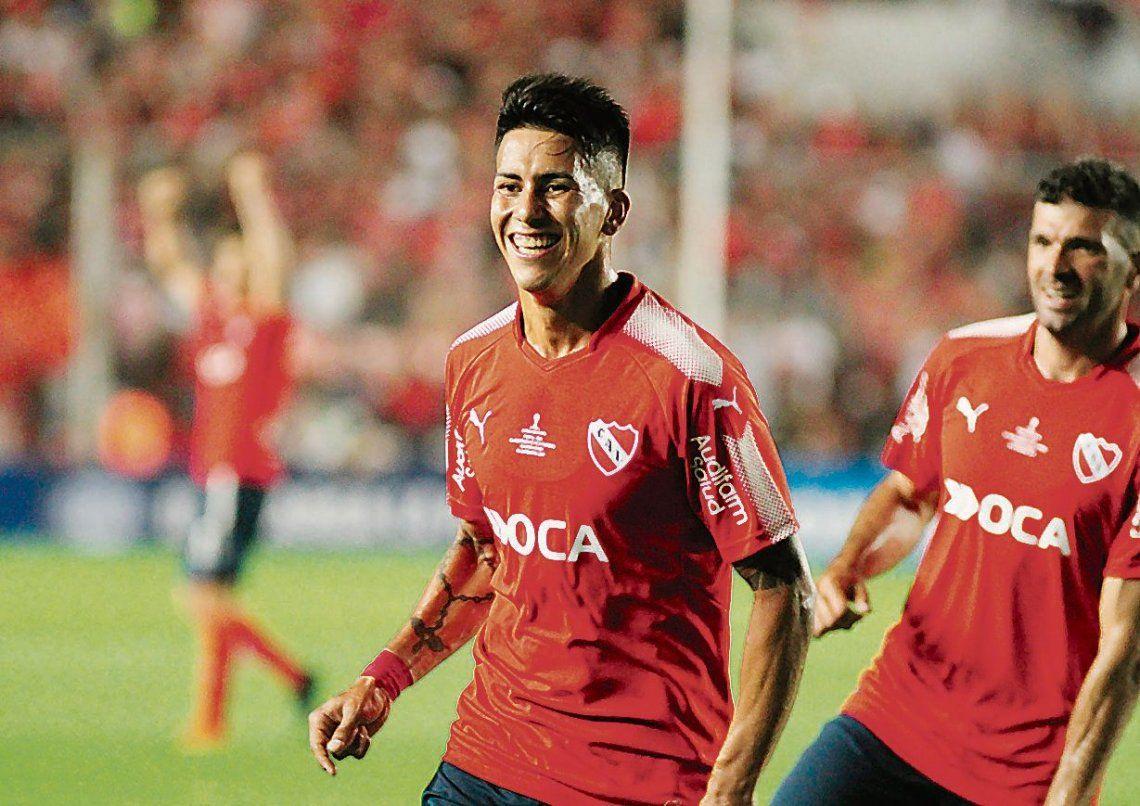 dMaximiliano Meza volvería a ver acción ante Corinthians. Un importante retorno en el Rojo.