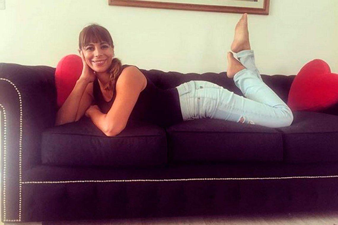 Ximena Capristo volvió a mostrarse en redes sociales amamantando a su hijo