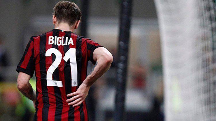 A 53 días del Mundial, Biglia se fracturó y encendió las alarmas de Sampaoli