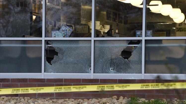 Hombre desnudo mató a cuatro personas en un restaurant de Nashville