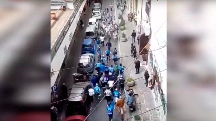 Sur vs. Norte: hinchas del Napoli y Juventus se cruzaron en la calle y...