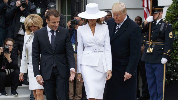 La mujer de Trump lo volvió a dejar en offside en público