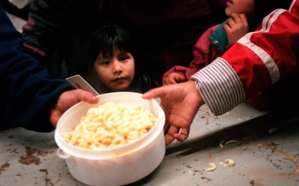 Los jóvenes sufren cinco veces más pobreza que los mayores