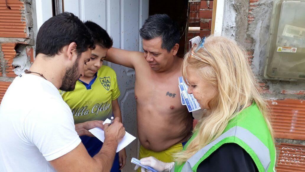 Intenso operativo municipal en barrios de Lanús afectados por el temporal
